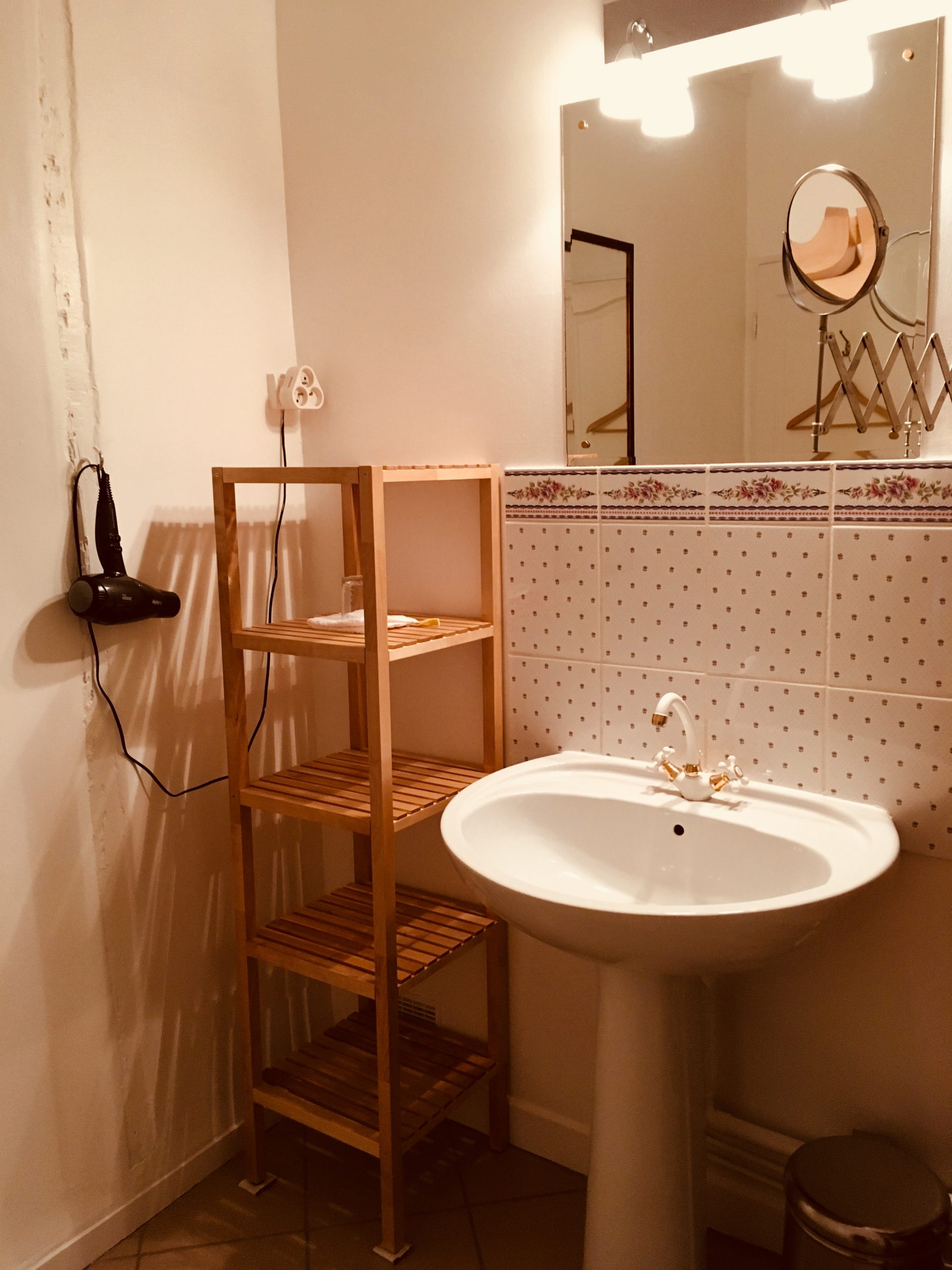 Appartement 4, salle de bain